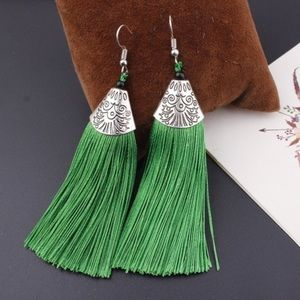 Jewelry - 🎁 Green Tassel Earrings